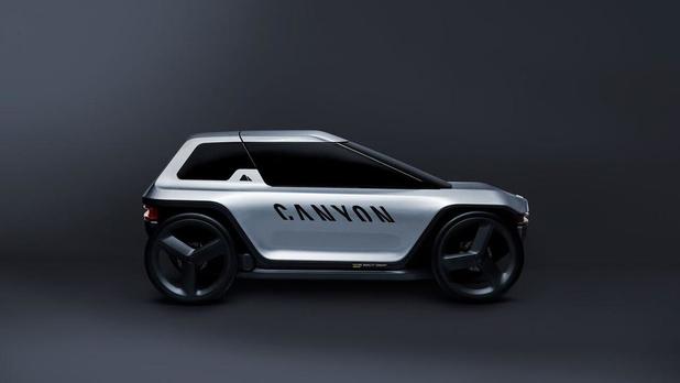 """Canyon dévoile un """"concept bike"""", entre voiture et vélo électrique"""