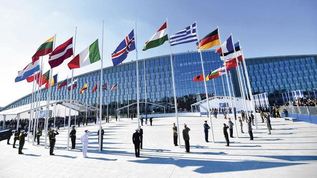'NAVO lijkt erop uit om de wereld naar een Koude Oorlog 2.0 te leiden'