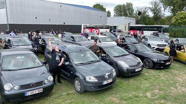 Leerlingen KTA Brugge halen diploma af via drive-in