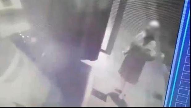 """'Eiergooier van Rekkem' betrapt op camera, maar man ontkent: """"Nooit eieren in huis"""""""