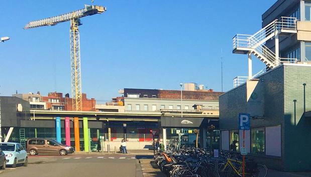 """Zinloos geweld in Kortrijk voer voor discussie: """"Verspreiding beelden op Facebook hinderde politie"""""""