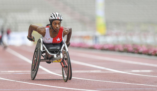 """Léa Bayekula, athlète ambitieuse et rieuse: """"C'est inadmissible qu'on doive s'adapter dans un monde qui devrait être accessible à tous"""