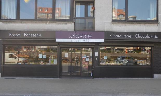 Bakkerij Lefevere en Bakkerij Soetaert laten ijsjes sponsoren voor personeel AZ Zeno