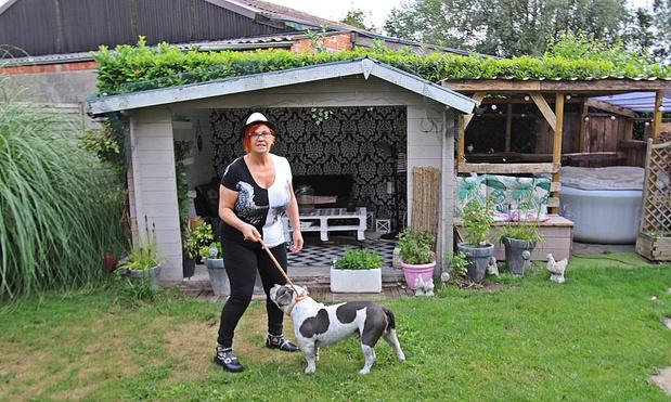 Nancy zoekt pand en steun voor honden- en kattenasiel