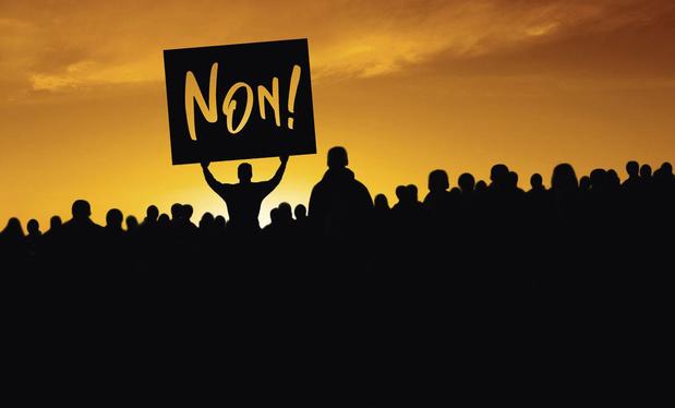 La colère monte au sein de la société: l'heure de la désobéissance civile