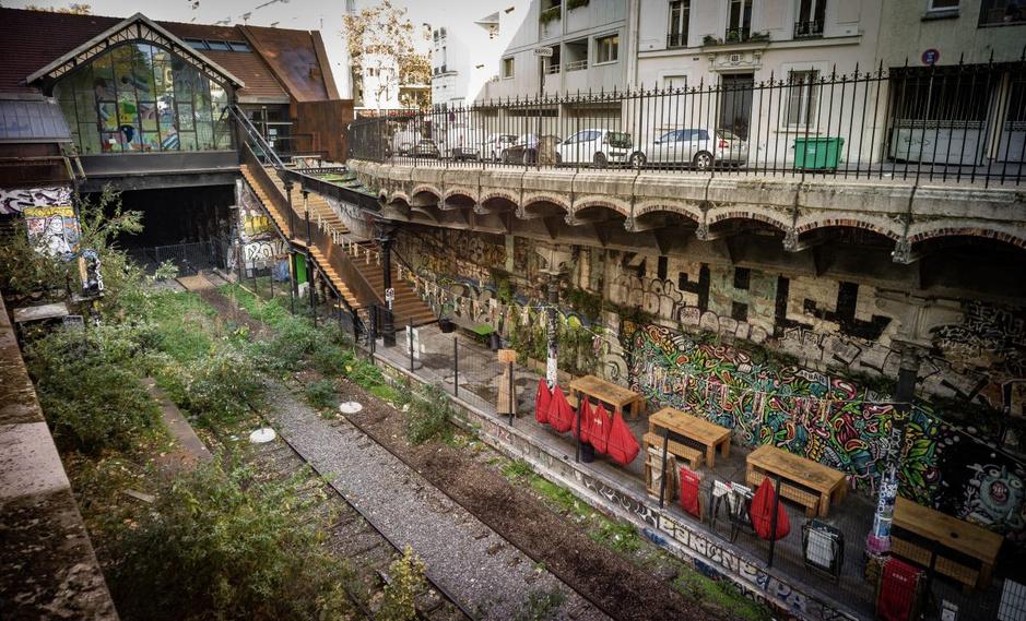 In beeld: wandelen over de voormalige spoorlijn Petite Ceinture in Parijs