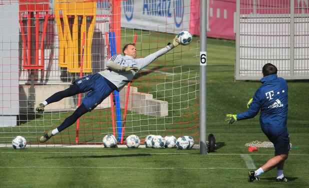 Manuel Neuer denkt aan mol in bestuurskamer Bayern