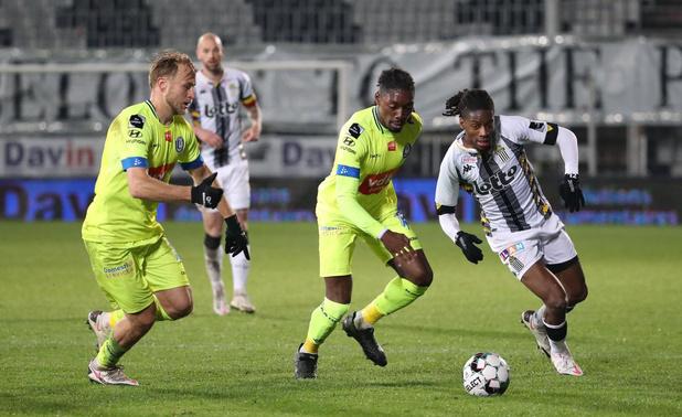 Clubnieuws: Kayembe-Ditu langer bij Charleroi, Makarenko blijft besmet & plooien tussen Dennis en Club Brugge bijna gladgestreken