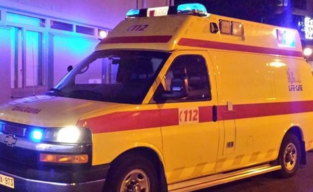 Drie jonge twintigers gewond na klap tegen boom in Westkapelle