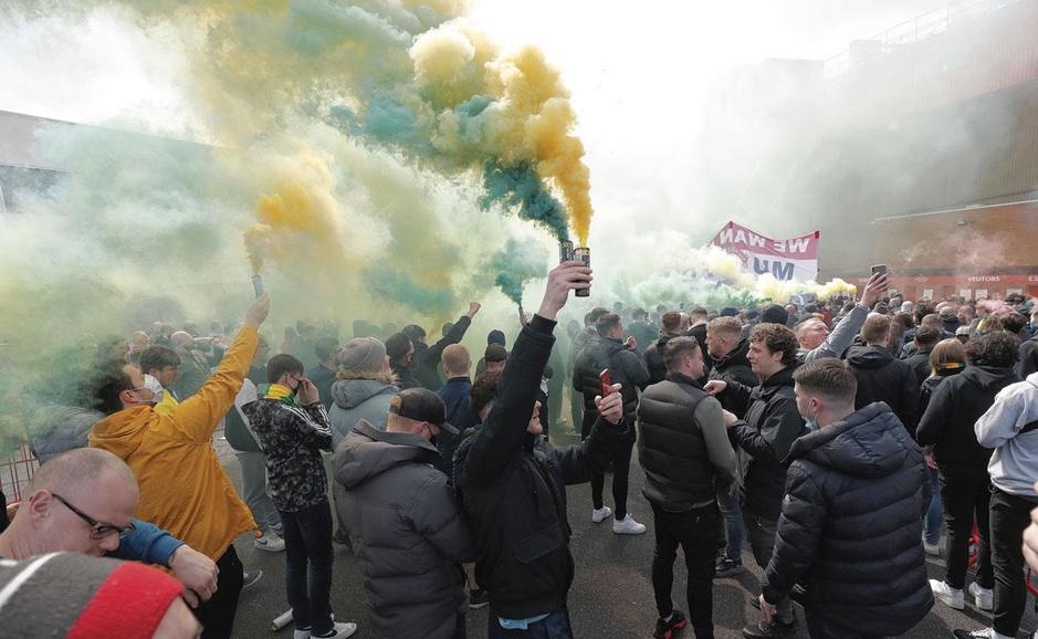 Man. United-fans zijn woedend op eigenaars: wat is er precies aan de hand?