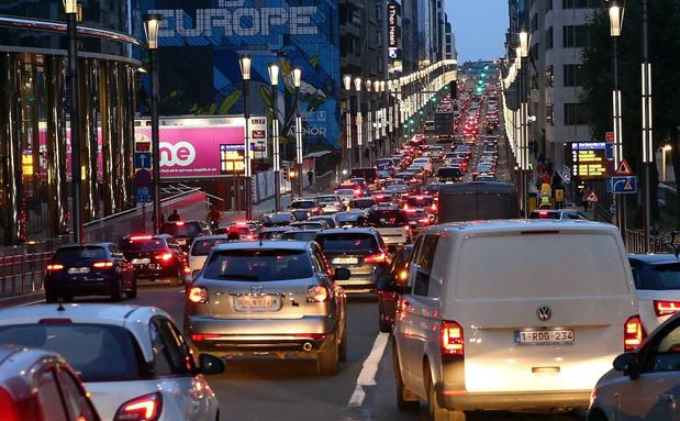 Voor het eerst sinds Tweede Wereldoorlog daalt aantal personenwagens in België