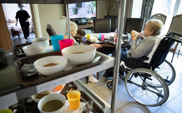 Des volontaires des maisons médicales formés par MSF pour aider en maison de repos