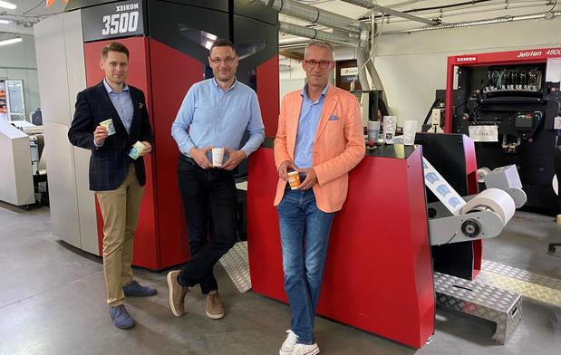 Xeikon-pers voor bedrukken van papieren drankcups bij Poolse labeldrukker