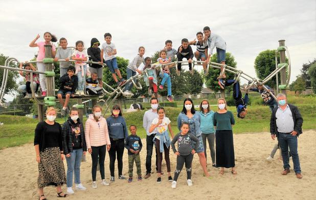 Leerlingen spijkeren tijdens zomerbad hun Nederlandse taal bij