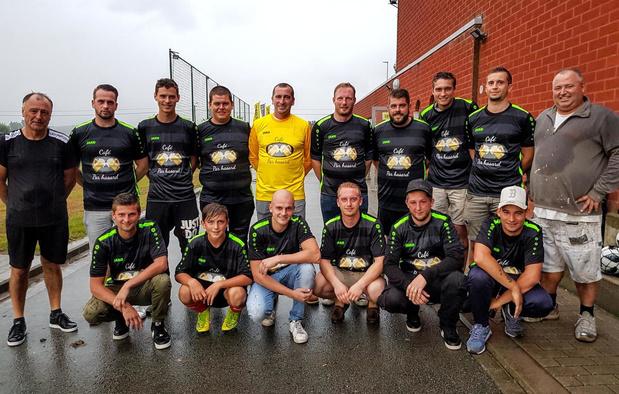 Eerste training voor gloednieuwe voetbalploeg FC Par Hasard