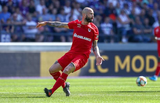 Clubnieuws: Standard-Club uitverkocht, Gent misschien niet naar Tsjechië & contractvoorstel KV Mechelen voor Defour?