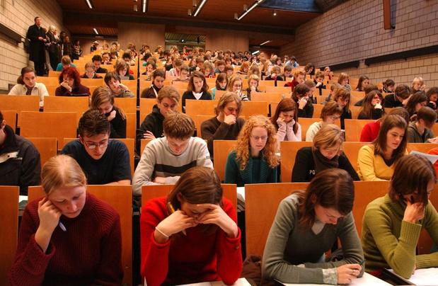 Hoger onderwijs neemt extra maatregelen: geen lessen in aula's meer, opendeur afgelast