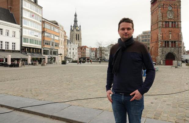 """Schepen van Economie roept Kortrijkzanen op: """"Doe je kerstinkopen in eigen stad!"""""""