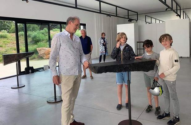 Muze'um L heropent de deuren met installatie Dansende Stenen van Gerard Kuijpers