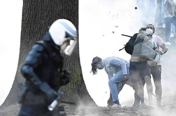 La Belgique frondeuse: activités clandestines, provocations, relâchements... pourquoi on craque