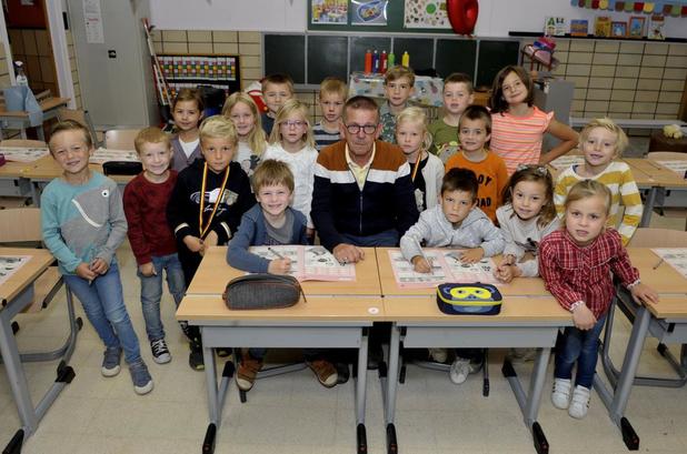 Meester Danny gaat met pensioen in O. L. V.-school in Ingelmunster
