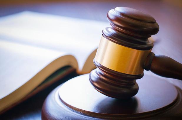 Mensensmokkelaar die achtervolgende politiewagen ramde na betrapping in Jabbeke krijgt vier jaar cel