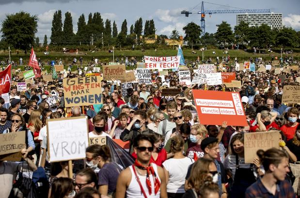 Nederlanders protesteren tegen de wooncrisis