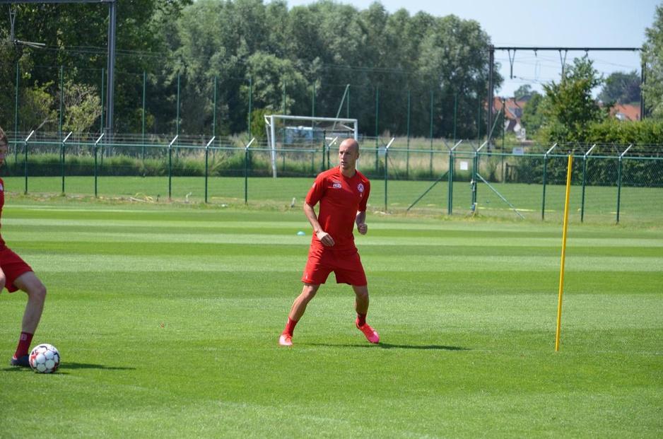 """Eerste zomertransfer van KV Kortrijk Gilles Dewaele: """"Stabiele club met een duidelijk plan"""""""