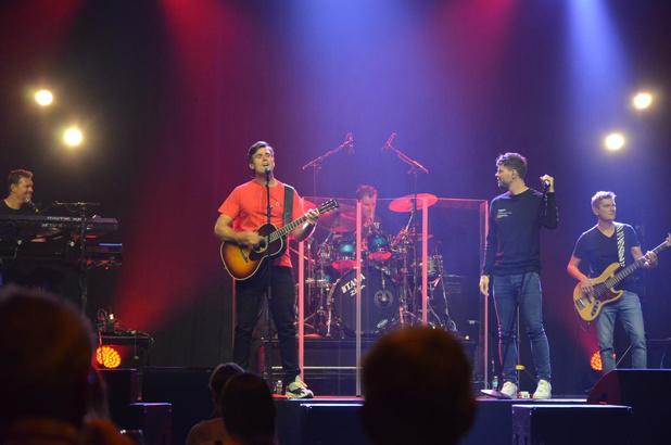 """Nick & Simon : """"Dat geluid hebben we zes maanden moeten missen, zing dus luidkeels mee"""""""