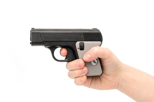 Ex-schoonbroer daagt 's nachts gewapend op aan bed van vrouw in Lendelede