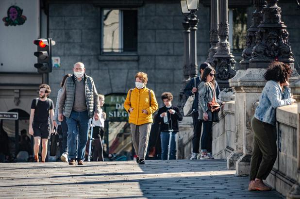 France: un taux de positivité proche de la Belgique à 3,3%