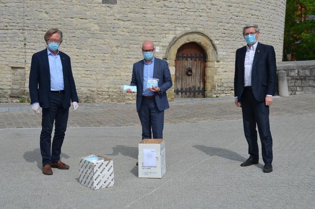 Lokale Lionsclubs schenken 650 mondmaskers aan Eerstelijnszone Kortrijk