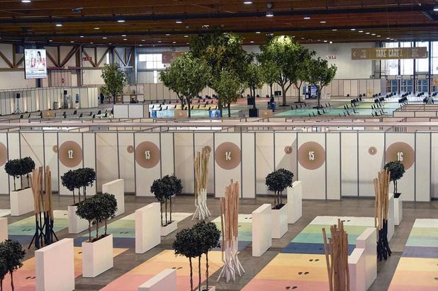 Piqûres en mode pastel: dans les coulisses du plus grand centre belge de vaccination