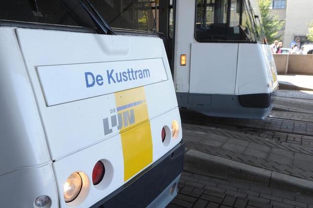 Twee lichtgewonden na aanrijding tussen tram en go-cart