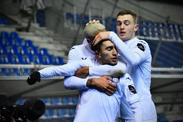 Anderlecht wint de topper in Genk en komt de top 4 binnen