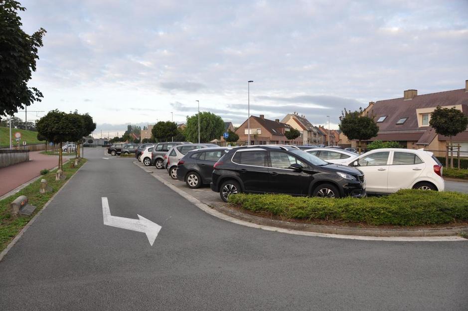 NMBS trekt belofte in en maakt Waregemse stationsparking niet gedeeltelijk gratis