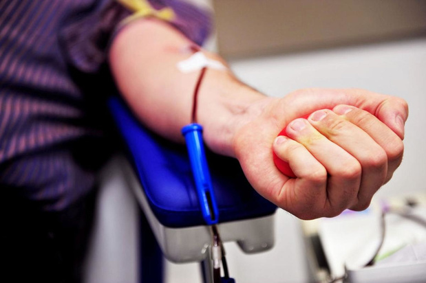 Rode Kruis zoekt bloedplasma van genezen coronamannen