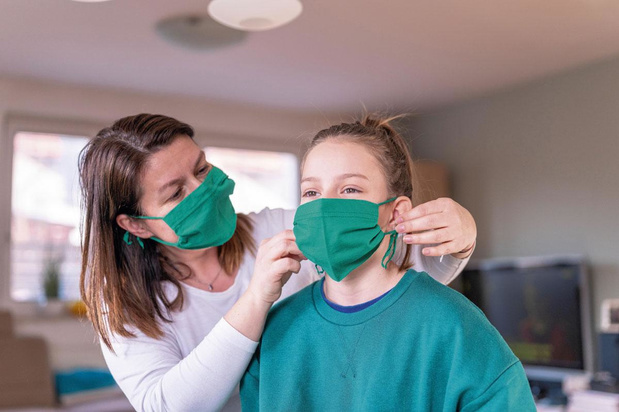 Les pharmacies vont distribuer un masque à chaque Belge