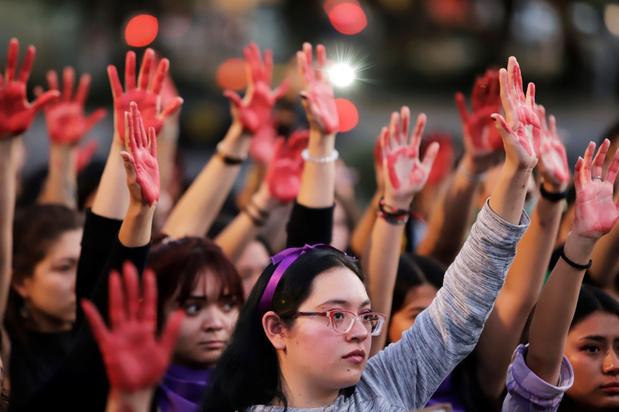 Vrouwen verdwijnen uit het openbare leven, in Mexico en België: 'Genoeg van het machogeweld'