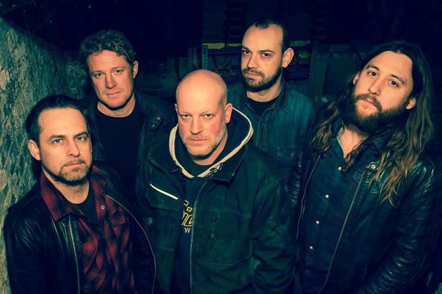 VIDEO Single 'Hail Hail' van Drums 'n' Guns moet publiek warm maken voor hun tweede album
