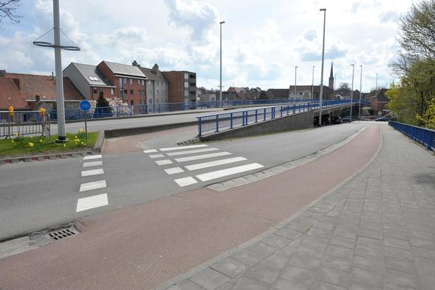 Vlaamse overheid voorziet 100.000 euro voor herstel wegdek Centrumbrug