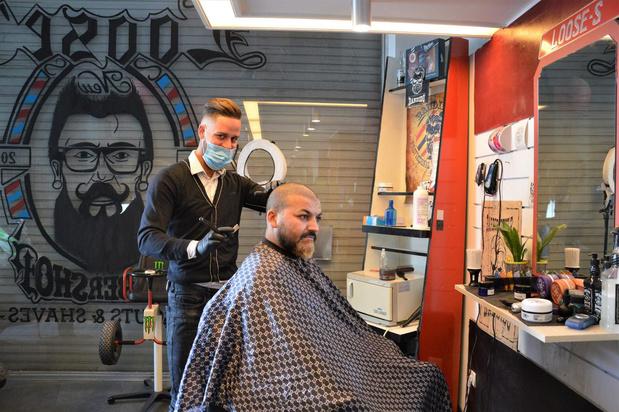 Barbier Dylan verhuist naar drukkere locatie in Blankenbergse Kerkstraat