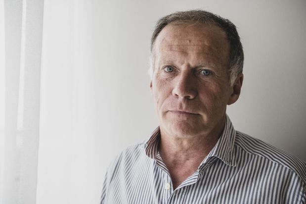 Eddy Van den Berge krijgt Merci Award van supportersclub De Klauwaert
