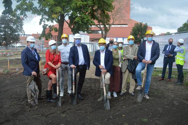 Eerste spadesteek voor uitbreiding parking 't Zand in Brugge