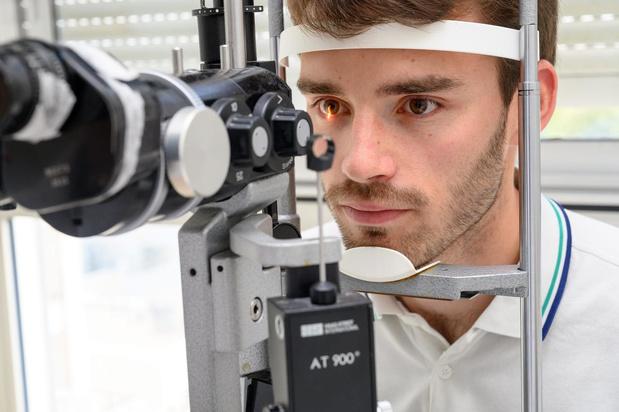 Campagne de sensibilisation pour inciter les gens à prendre soin de leur santé oculaire