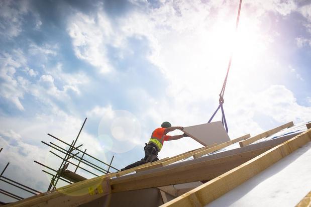 Voka en bouwsector vragen opheffing bouwstop aan de kust tijdens zomer