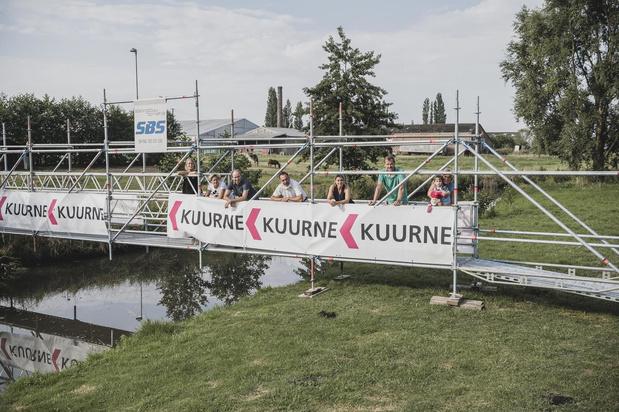 Tijdelijke brug verbindt Vlaspark via Leiemeers met jaagpad langs de Leie