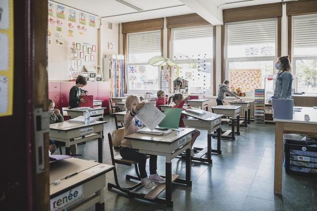 """Onderwijsveld en experts: """"Kleuter- en lager onderwijs kan weer open vanaf 2 juni"""""""