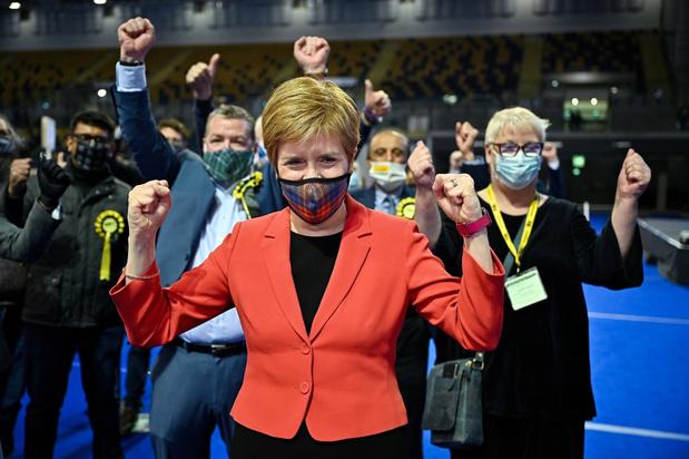 Schotse nationalisten één zetel tekort voor absolute meerderheid