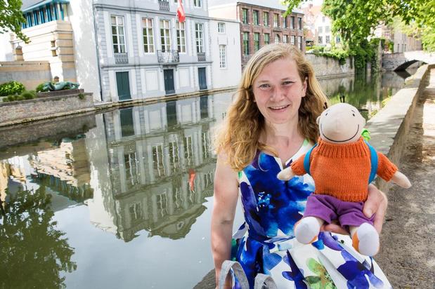 Brugse kleuterjuf Annelies gaat op stap met klaspop Jules